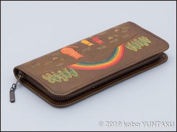 牛革の作品「虹と猫の長財布」へり返し