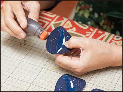 端革を使った制作工程15(ザトウクジラのキーホルダー)
